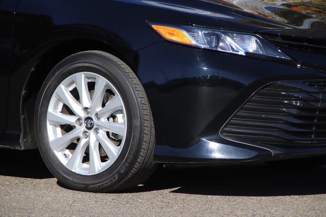 Pre-Owned 2018 Toyota Camry LE* ONE OWNER, DYNAMIC CRUISE CONTROL, LANE DEPARTURE WARNING SYSTEM, STILL COVERED UNDER THE ORIGINAL NEW TOYOTA FACTORY WARRANTY