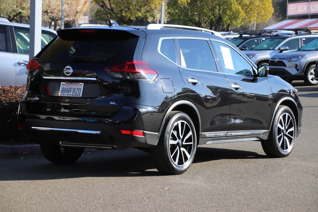 Pre-Owned 2019 Nissan Rogue SL* NAVIGATION, LEATHER SEATS, ROOF RACK, PARKING SENSORS, BLIND-SPOT MONITOR, STILL COVERED UNDER THE ORIGINAL NEW CAR FACTORY WARRANTY