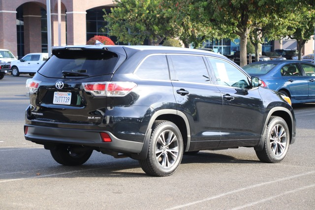 Certified Pre-Owned 2016 Toyota Highlander XLE AWD* NEW TIRES, ONE OWNER, NAVIGATION, HEATED LEATHER SEATS, THIRD ROW SEAT, MOONROOF, ROOF RACK, TOYOTA FACTORY CERTIFIED