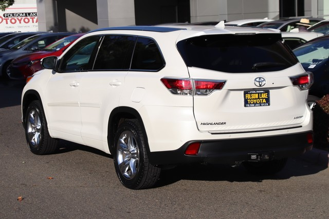 Certified Pre-Owned 2015 Toyota Highlander Limited* NEW TIRES, ONE OWNER, NAVIGATION, HEATED AND VENTILATED LEATHER SEATS, THIRD ROW SEAT, MOONROOF, ROOF RACK, BLIND-SPOT MONITOR, TOYOTA FACTORY CERTIFIED
