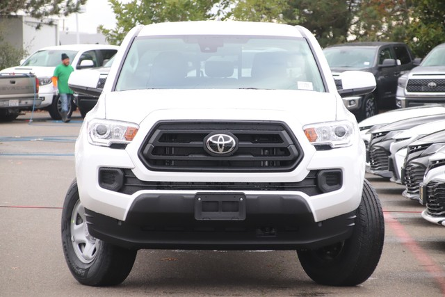New 2020 Toyota Tacoma 2WD SR Double Cab 5' Bed I4 AT (Natl)