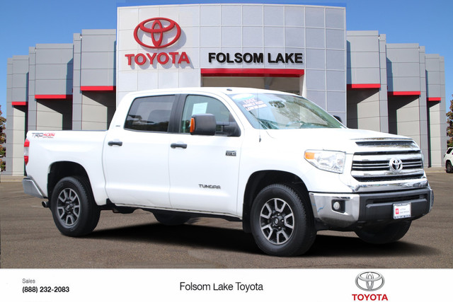Certified Pre-Owned 2017 Toyota Tundra CrewMax SR5 4X4* NEW BRAKES, TOWING PKG, CRUISE CONTROL, HANDS FREE PHONE, TOYOTA FACTORY CERTIFIED