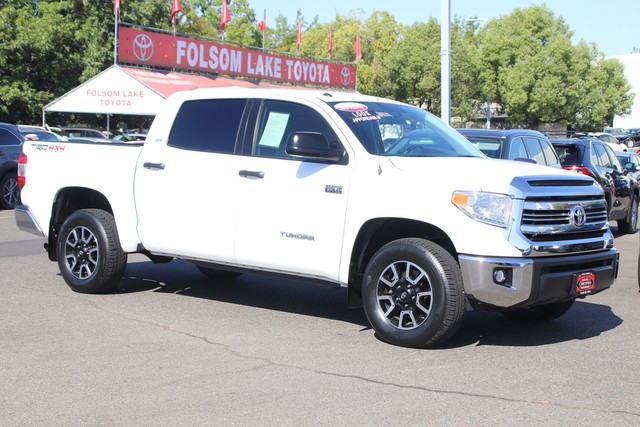 Certified Pre-Owned 2017 Toyota Tundra 4WD SR5 CrewMax TRD OFF-ROAD 4x4* NEW TIRES, NAVIGATION, ONE OWNER, NAVIGATION, TOWING PKG, TOYOTA FACTORY CERTIFIED, STILL COVERED UNDER THE ORIGINAL NEW TOYOTA FACTORY WARRANTY