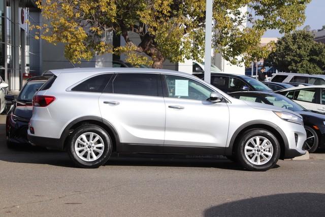Pre-Owned 2019 Kia Sorento LX V6* ONE OWNER, THIRD ROW SEAT, ROOF RACK, BLIND-SPOT COLLISIO
