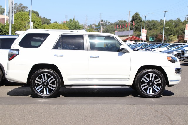 Certified Pre-Owned 2015 Toyota 4Runner Limited 4X4* NAVIGATION, THIRD ROW SEATS, HEATED LEATHER SEATS, MOONROOF, ROOF RACK, TOYOTA FACTORY CERTIFIED