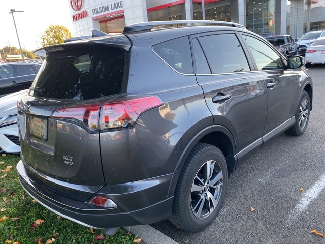 Certified Pre-Owned 2017 Toyota RAV4 XLE AWD* NEW TIRES, NEW BRAKES, ONE OWNER, MOONROOF, DYNAMIC CRUISE CONTROL, LANE DEPARTURE WARNING, TOYOTA FACTORY CERTIFIED