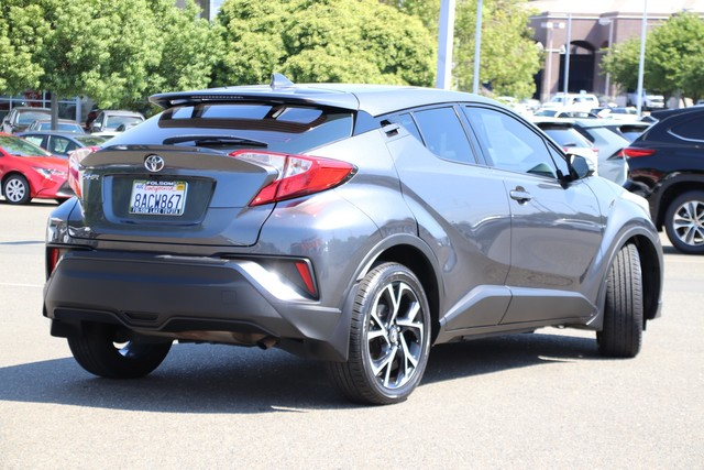 Certified Pre-Owned 2018 Toyota C-HR XLE* ONE OWNER, NEW TIRES, REAR SPOILER, ROOF RACK