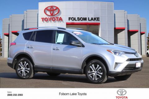 Certified Pre-Owned 2017 Toyota RAV4 LE* NEW TIRES, NEW BRAKES, ROOF RACK, DYNAMIC CRUISE CONTROL, TOYOTA FACTORY CERTIFIED Front Wheel Drive SUV - In-Stock