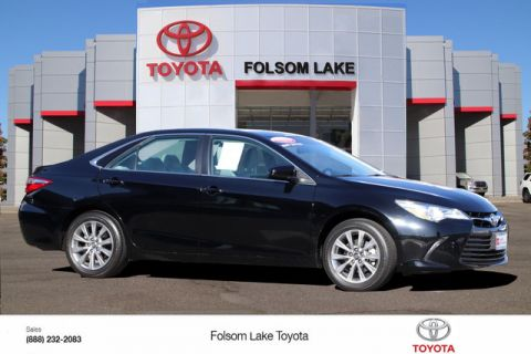 Certified Pre-Owned 2016 Toyota Camry XLE* NEW BRAKES, ONE OWNER, NAVIGATION, HEATED LEATHER SEATS, MOONROOF, BLIND-SPOT MONITOR, TOYOTA FACTORY CERTIFIED Front Wheel Drive Sedan - In-Stock