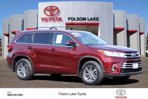 Certified Pre-Owned 2017 Toyota Highlander XLE AWD* ONE OWNER, NAVIGATION, HEATED LEATHER SEATS, THIRD ROW SEAT, MOONROOF, ROOF RACK, TOYOTA FACTORY CERTIFIED