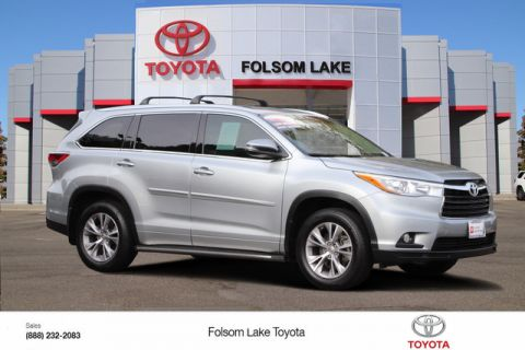 Certified Pre-Owned 2015 Toyota Highlander XLE* ONE OWNER, NAVIGATION, HEATED LEATHER SEATS, THIRD ROW SEAT, MOONROOF, ROOF RACK, TOYOTA FACTORY CERTIFIED Front Wheel Drive SUV - In-Stock