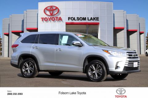 Pre-Owned 2018 Toyota Highlander LE* ONE OWNER, THIRD ROW SEAT, TOW PKG, DYNAMIC CRUISE CONTROL, LANE DEPARTURE ALERT, STILL COVERED UNDER THE ORIGINAL NEW TOYOTA FACTORY WARRANTY
