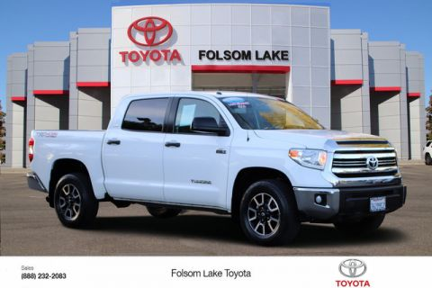 Certified Pre-Owned 2017 Toyota Tundra SR5 CrewMax 4X4* NEW TIRES, NEW BRAKES, ONE OWNER, TOW PKG, TOYOTA FACTORY CERTIFIED Four Wheel Drive Short Bed - In-Stock