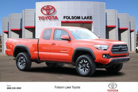 Certified Pre-Owned 2016 Toyota Tacoma TRD Off Road Access Cab 4X4* PREMIUM & TECHNOLOGY PKG, NAVIGATION, HEATED SEATS, PARKING SENSORS, BLIND-SPOT ALERT, TOYOTA FACTORY CERTIFIED Four Wheel Drive Long Bed - In-Stock