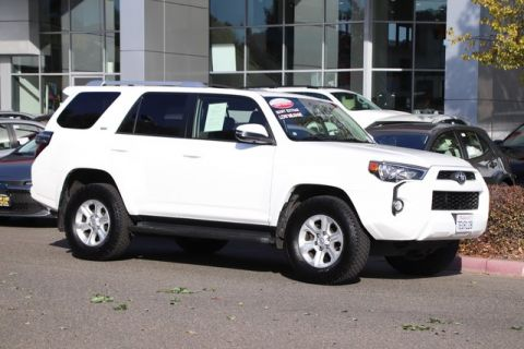 Certified Pre-Owned 2014 Toyota 4Runner SR5 Premium 4X4* NEW BRAKES, ONE OWNER, NAVIGATION, 3rd ROW SEAT, HEATED SEATS, MOONROOF, ROOF RACK, TOYOTA FACTORY CERTIFIED Four Wheel Drive SUV - In-Stock